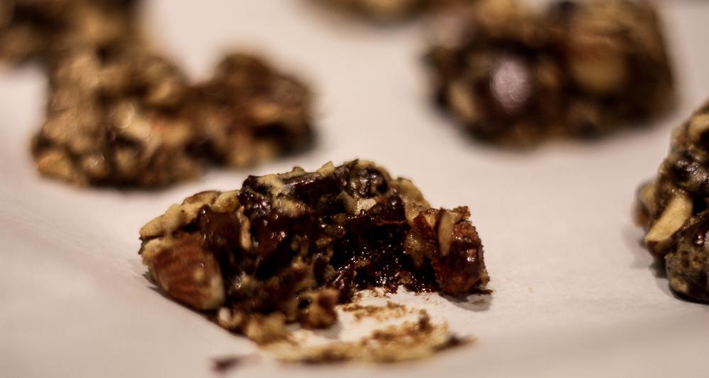 dark chocolate date cookies | Meg Marie Wallace
